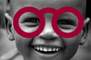 enfant don anciennes lunettes vignette