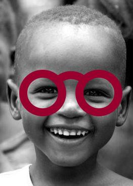 enfant don lunettes